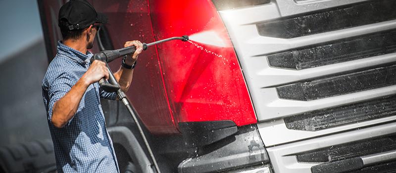 Truck-Driver-Washing-Semi